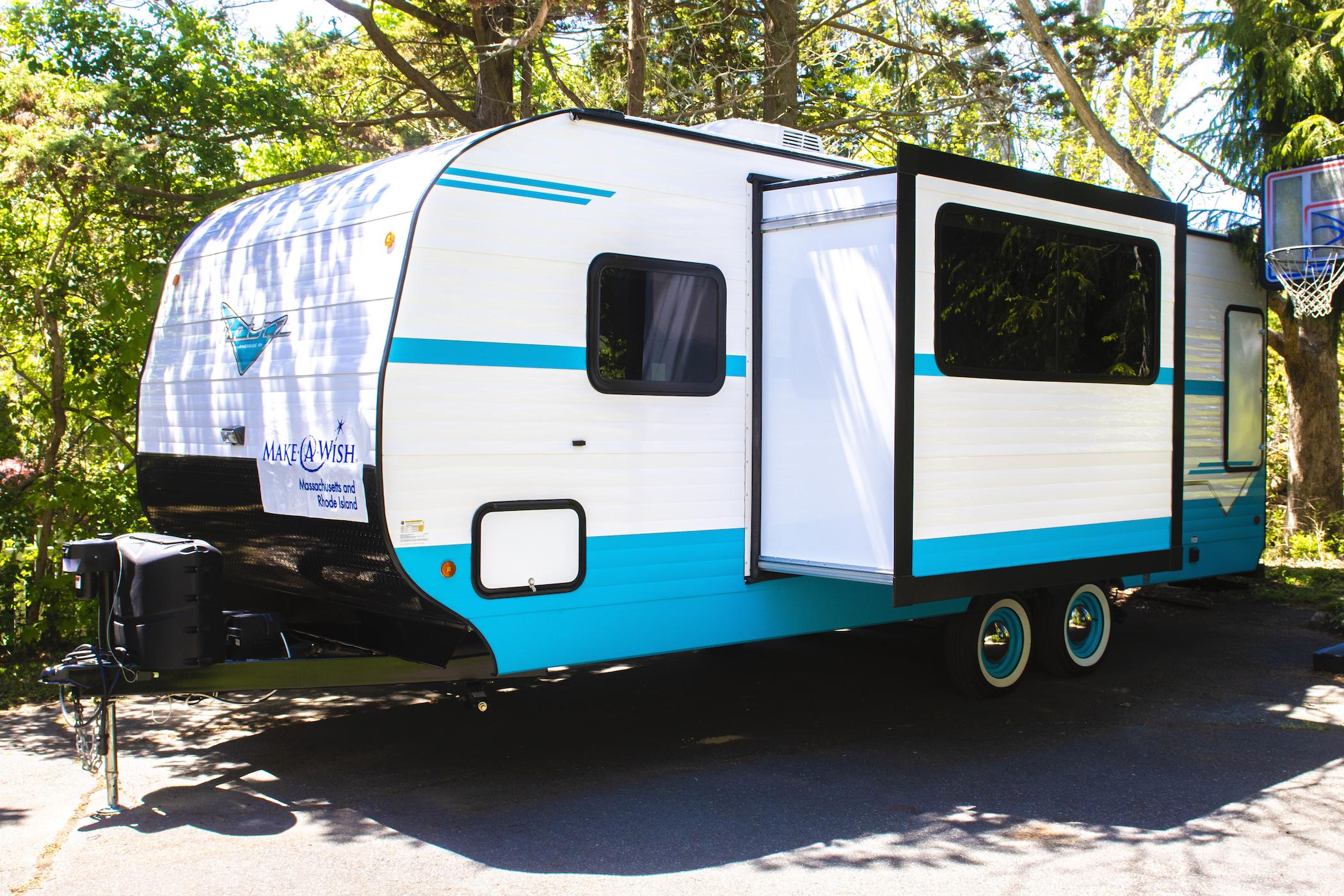 Ellie Art bunkhouse travel trailer